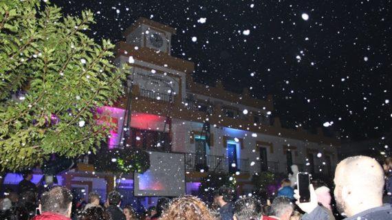 Aljaraque se prepara para el nuevo año con una gran nevada