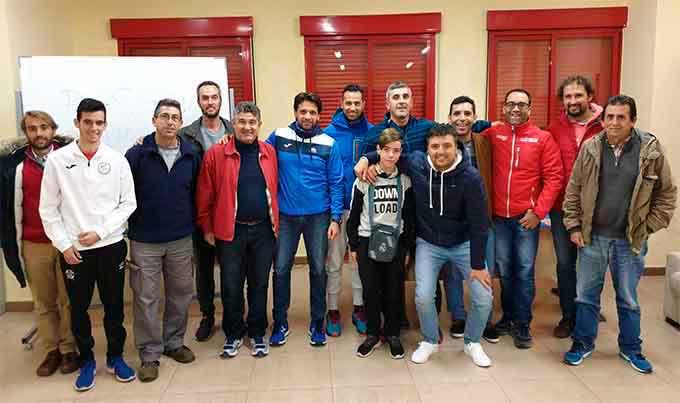 El osteópata Ramírez Coronel impartió una charla deportiva en Punta Umbría