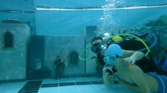 El Belén subacuático de Bomberos Unidos Sin Fronteras vuelve al Andrés Estrada