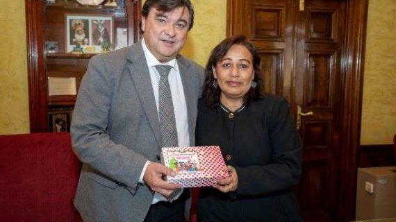 El Ayuntamiento aúna esfuerzos con Huelva Acoge para la inclusión de las personas inmigrantes