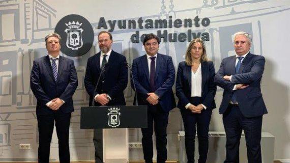 Huelva ahorrará 18,2 millones de euros en intereses bancarios gracias a la operación firmada con Caja Rural del Sur