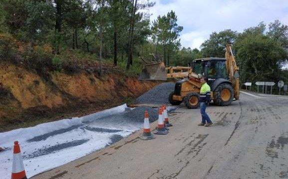 Comienzan las obras de mejora de la carretera que une Valdelarco con la N-433