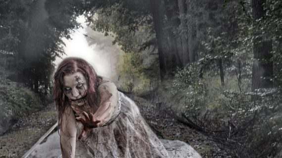 El Campus del Carmen de la Universidad de Huelva acoge un 'Survival zombie' solidario
