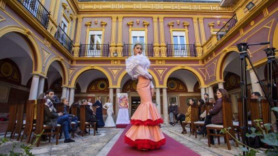 La pasarela 'Huelva flamenca' celebra su décima edición los días 8 y el 9 de febrero en el Patio del Ayuntamiento
