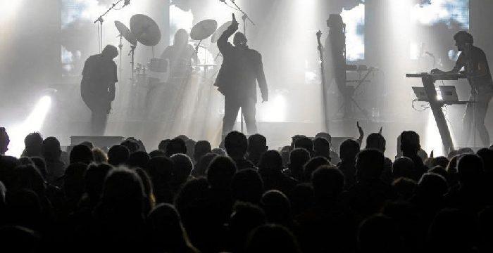 El himno 'Forever Young' resuena con fuerza en la primera noche de conciertos de San Sebastián 2020