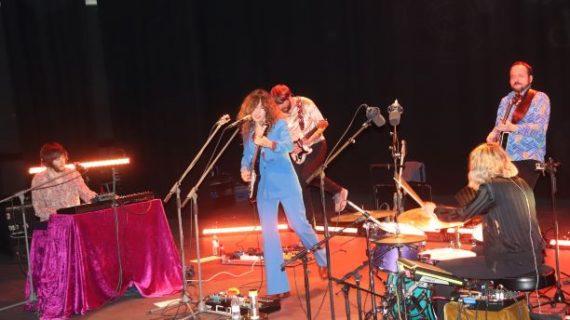 El Auditorio de la Universidad de Huelva registra un lleno absoluto con el concierto de Anni B. Sweet en Cantero Rock