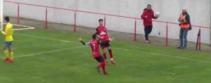 Ceada celebra el primero de sus goles, que en ese momento suponía el 2-1. / Foto: Captura Cartaya TV.