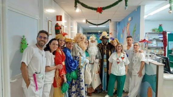 CSIF dona juguetes educativos para la sala de juegos del área de Pediatría del hospital Juan Ramón Jiménez