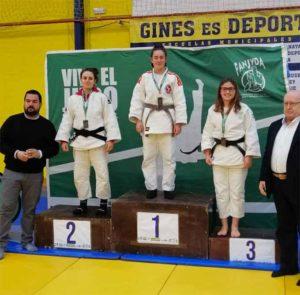 Alba Cuenca Lois, en lo más alto del podio en el Campeonato celebrado en Gines.