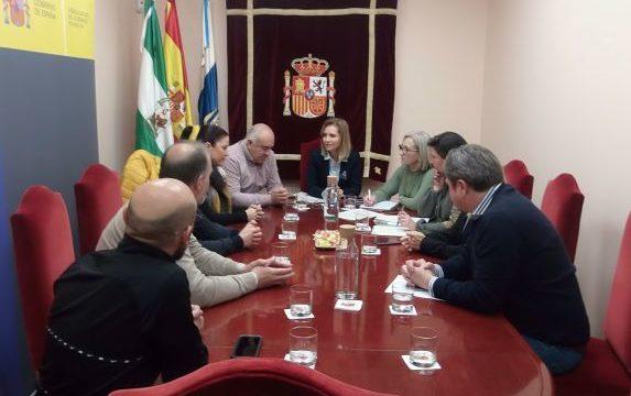 La subdelegada del Gobierno se reúne con la Plataforma de Damnificados de Nerva