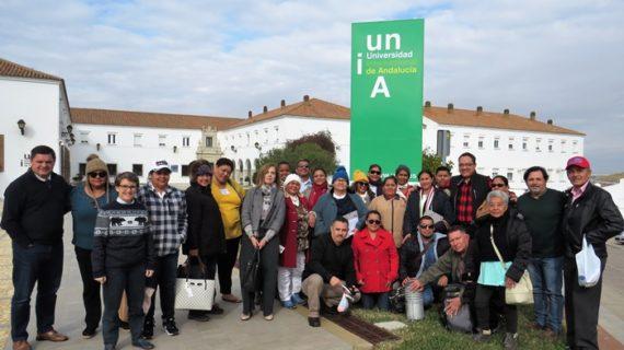 Un grupo de educadores cooperativistas de Honduras conocen la sede de La Rábida