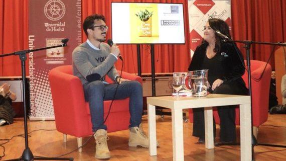El nutricionista e influencer Carlos Ríos invita desde la UHU a sumarse al #realfooding y declarar la guerra a los ultraprocesados