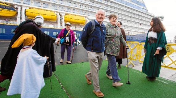 El Puerto de Huelva recibe la visita de un crucero con más de 800 turistas
