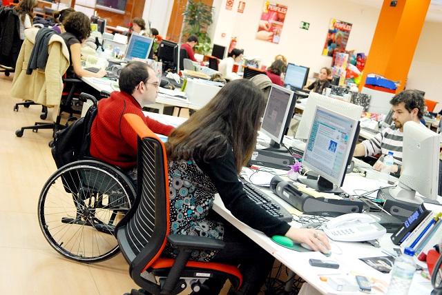 17 alumnos con discapacidad de la Universidad de Huelva han accedido a prácticas laborales gracias al programa de Fundación ONCE y Crue Universidades