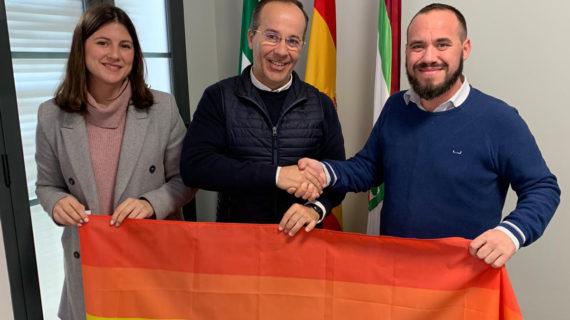 Hinojos ya es municipio orgulloso