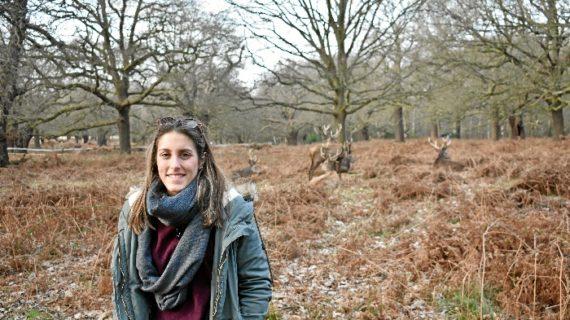 La onubense Elena Quintero cumple su sueño de trabajar en el sector turístico en un hotel de Londres