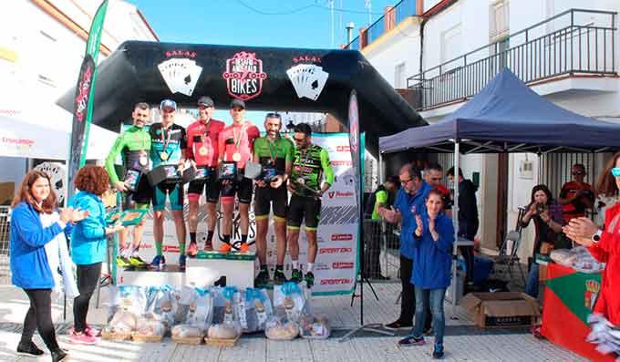 Los hermanos Macías y las portuguesas Irina Coelho y Natalia Mendes, ganadores del IV Desafío Andévalo 2 Bikes