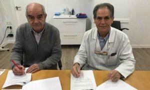 Un momento de la firma de la renovación del convenio de colaboración entre Ortopedia Gordillo y el CODA Huelva.