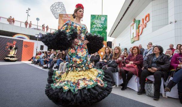 Un total de 14 diseñadores se dan cita en la pasarela flamenca 'Holea y Olé'