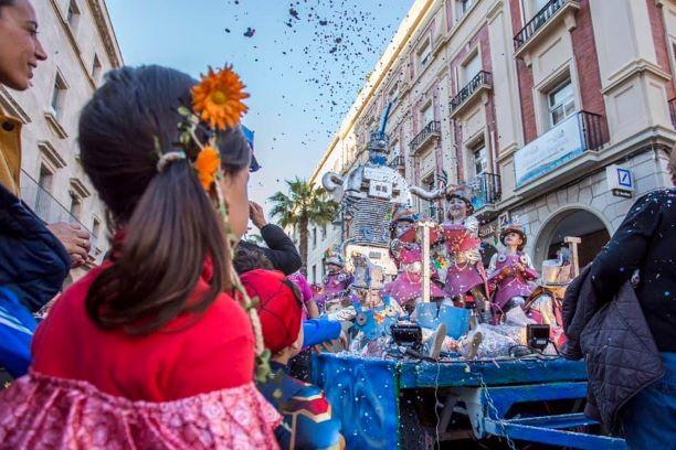 Huelva celebra el sábado su carnaval de calle con actuaciones, garbanzada y la tradicional cabalgata