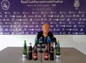Claudio Barragán, durante la rueda de prensa previa al partido del domingo ante el Don Benito. / Foto: @recreoficial.
