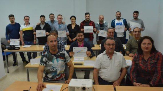 """Alumnos del Taller de Empleo """"Metal III""""  y trabajadores municipales de Palos finalizan su formación para la obtención de la TPC Metal"""