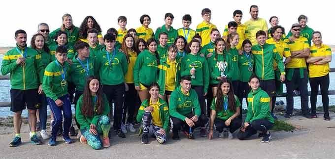 Componentes del Club Piragüismo Tartessos en el Campeonato de Andalucía de Piragua Cross.