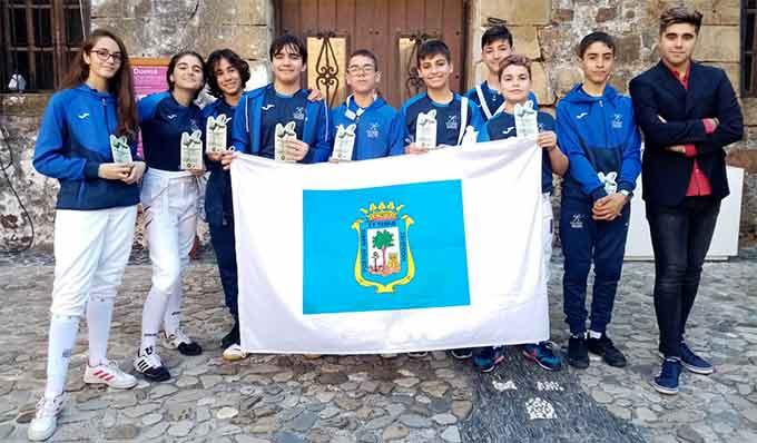 Componentes del Club Esgrima Huelva que han brillado en Manilva.