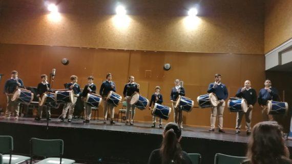 La Escuela de Tamborileros de Emigrantes participa en un concierto del Conservatorio con motivo del Día de Andalucía