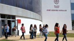 Estudiantes de la UHU se benefician del programa de becas comedor de la Fundación Atlantic Copper
