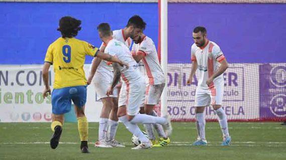 Un gran domingo de fútbol espera con el derbi Cartaya-Aroche y dos exigentes partidos para La Palma y el Atlético Onubense