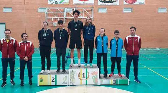Cinco medallas fue el botín del IES La Orden en los torneos del fin de semana