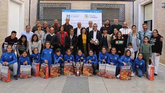 Recepción en la Diputación Provincial a la selección de Huelva Alevín de fútbol femenino, actual campeona de Andalucía