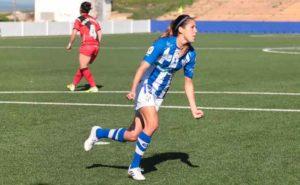 Patri Ojeda, de penalti, fue quien marcó para el Sporting. Las jugadoras del Sporting. / Foto: www.lfp.es.