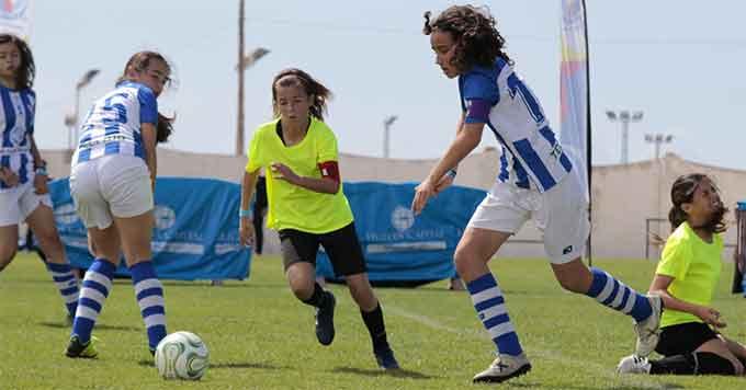 Una de las novedades en la edición de este año es la inclusión de una categoría de fútbol femenino.
