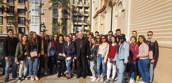 Cientos de alumnos participan en la VII Jornada de Puertas Abiertas del Patrimonio Onubense