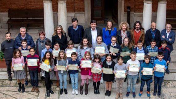 Inahia Blanc, la nueva alcaldesa infantil de la ciudad toma posesión de su cargo en el Ayuntamiento de Huelva