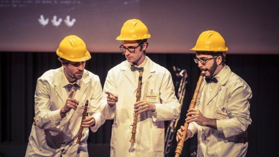 Los escolares de Huelva asisten al espectáculo Clarinetarium