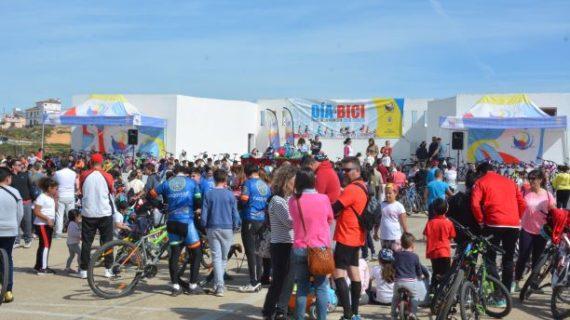 Los palermos celebraron el Día de Andalucía sobre dos ruedas