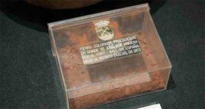 Uno de los tesoros del Museo, la tierra roja donde se jugó, por primera vez, al fútbol en nuestro país. / Foto: RFEF.