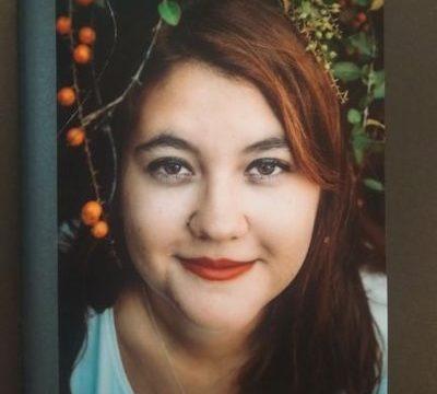 La joven escritora lepera Fátima Villegas publica su novela 'Llámalo karma'