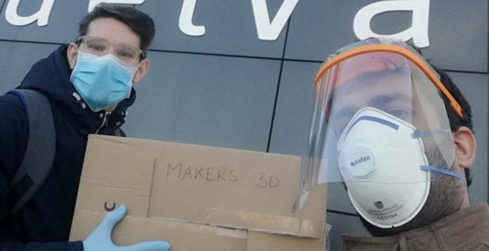 Un grupo de makers de Huelva realiza viseras con impresoras 3D para que los sanitarios onubenses luchen contra el coronavirus