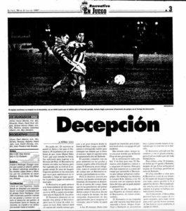 Reseña en La Voz de Huelva del partido perdido en Los Pajaritos.