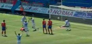 Captura de imagen del momento del gol de Mateo en Los Pajaritos.