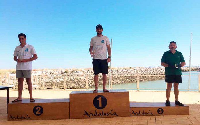 Podio en la Copa de Andalucía de Láser Estándar, con Guillermo Flores en el primer puesto.