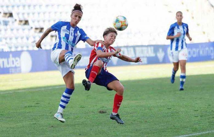Elena Pavel, en una acción durante el partido de la primera jornada de esta pasada temporada ante el Atlético de Madrid. / Foto: www.lfp.es.
