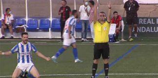 Momento del final del partido que daba el ascenso a la División de Honor Andaluza al Bollullos. / Foto: Captura RFAF TV.
