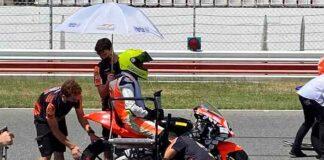 Pese a la caida sufrida días antes en Estoril, Hugo Millán quiso estar presente en la segunda prueba del Mundial Junior de motociclismo en el circuito del Algarve.