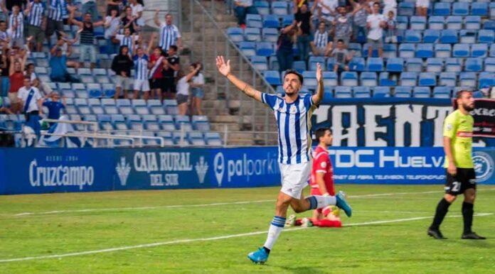 Alberto Quiles es uno de los diez jugadores del Recre con contrato en vigor. / Foto: www.recreativohuelva.com.