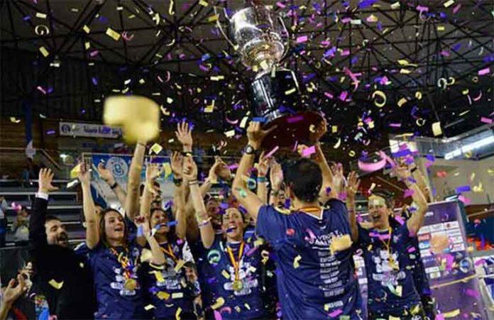 El actual campeón de la Liga de División de Honor de bádminton no podrá defender su título.